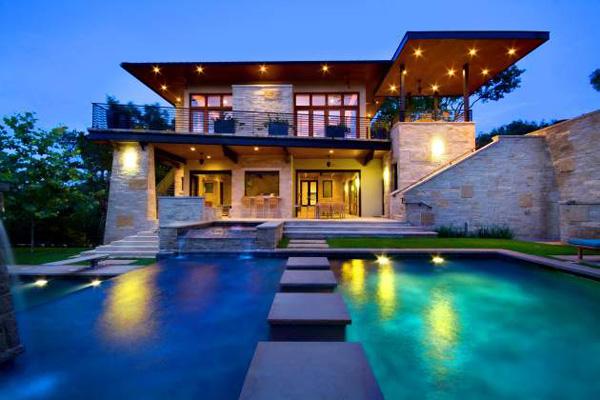 Луксозна къща