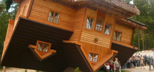 Преобърната къща в Полша