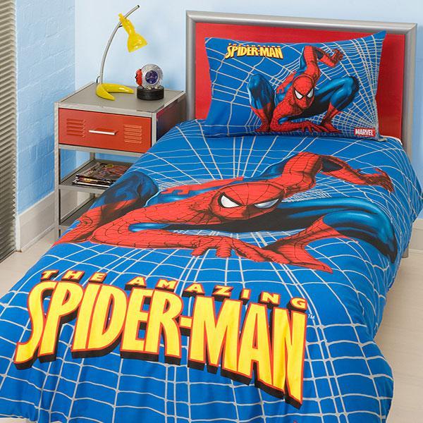 Спайдър мен в леглото