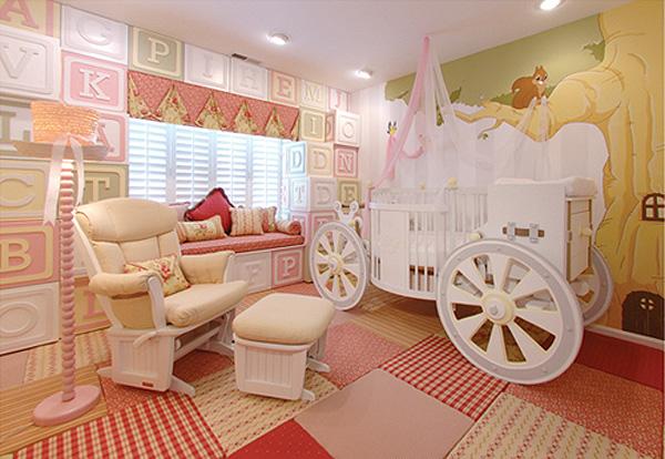 Каляска в детската стая