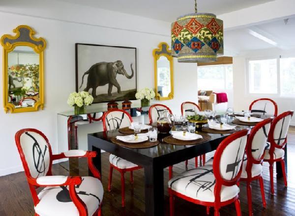 Кухненска маса с цветни столове