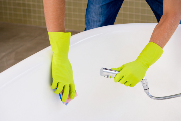 Почистване на ваната